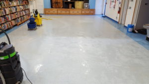 you can see the differnce when we clean your tile floor